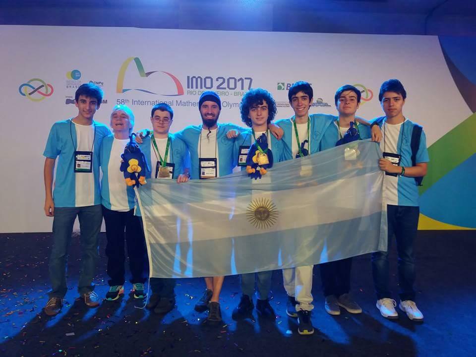 Ian Fleschler, alumno de ORT, ganó una medalla de oro en la Olimpiada Internacional de Matemática