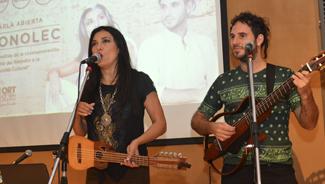 Al compás de la música folklórica nos visitó el dúo Tonolec